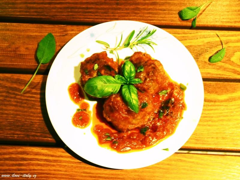 italské masové kuličky s rajčaty