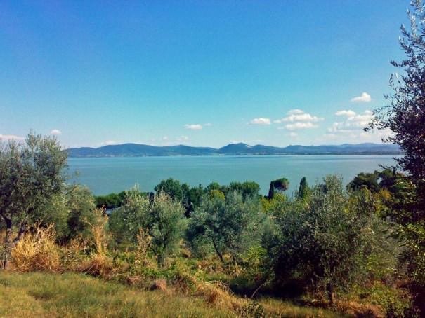 jezero trasimeno itálie umbrie