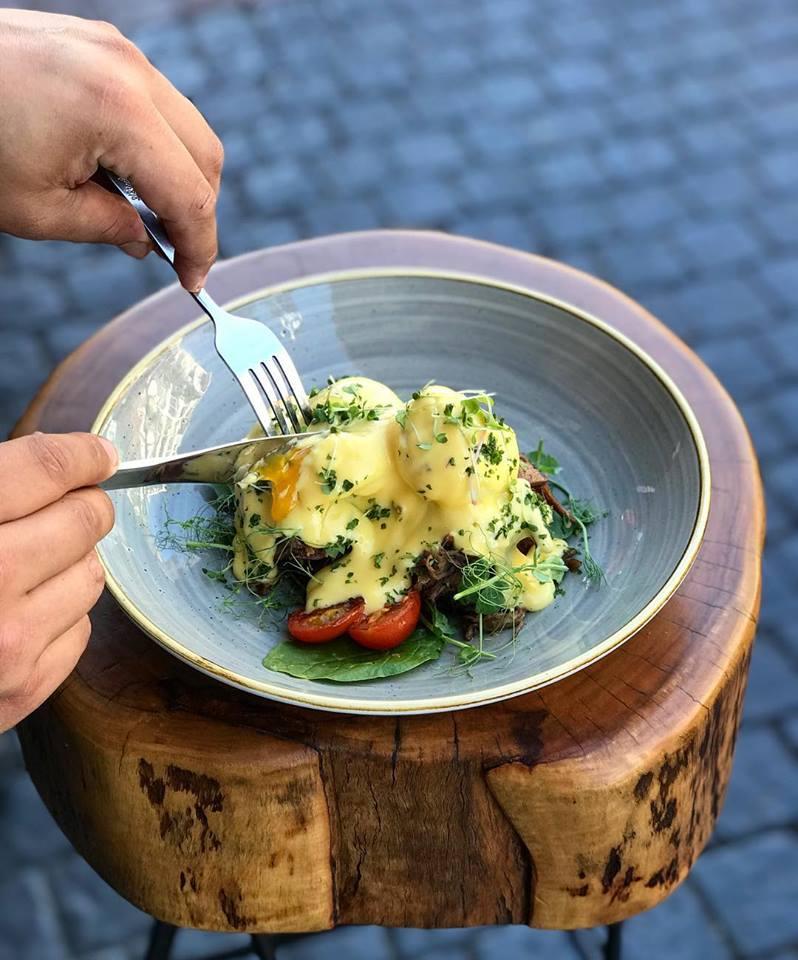 Top Cape Town Eggs Benedict Breakfast  jarryds eatery