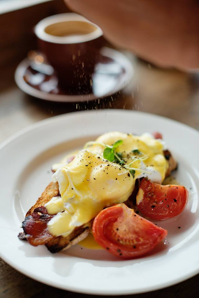 Top Cape Town Eggs Benedict Breakfast  mantra cafe