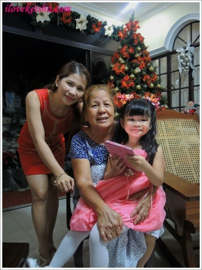 Being the first grand daughter, I always feel that I am my Lola's favorite.