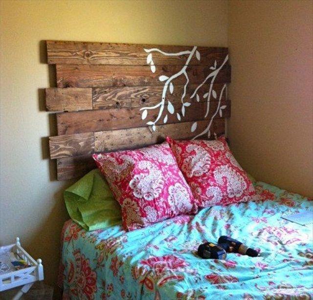 Propuestas de cabeceros de cama hechos con palets i love - Cabeceros de cama con palets ...