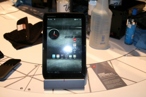 CES 2012 : Démonstration des tablettes Motorola Xoom 2 et Xoom media Edition 1