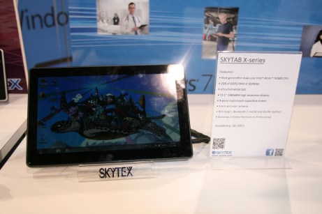 CES 2012 : Tablette Skytex SkyTab X series sous Windows 8 1