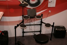 CES 2012 : Accessoire ION, apprenez la batterie avec le ION Drum apprendice et ION Drum Master 5