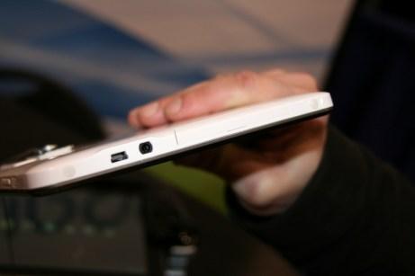 WikiPad : la tablette tactile 3D sans lunettes sous Android ICS en images et vidéo au CES 9