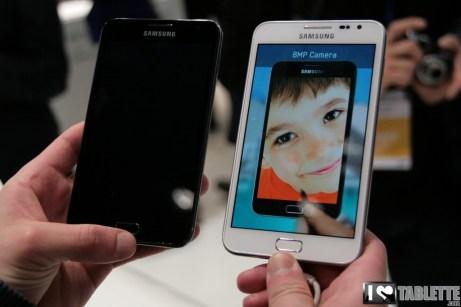Prise en main de la Samsung Galaxy Note 5.3 en blanc au MWC 1