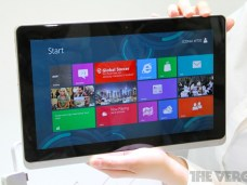 Acer Iconia W700, le grand écran selon Acer 7