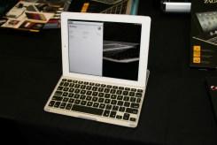 Accessoire pour iPad : Zagg Keys Pro, un clavier aimanté avec coque de protection 2