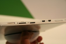 Acer Iconia Tab W510 : prise en main de la nouvelle tablette Windows 8 à l'IFA de Berlin 3