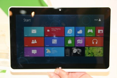 Acer Iconia Tab W510 : prise en main de la nouvelle tablette Windows 8 à l'IFA de Berlin 1