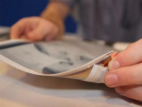 Intel présente la PaperTab, une tablette de 10.7 pouces ultra fine et flexible 2