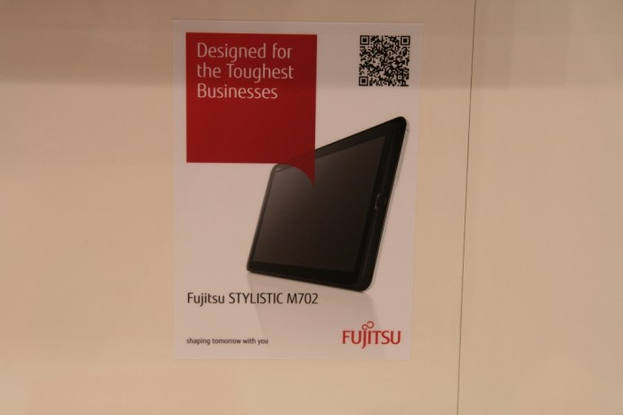 [MWC 2013] Prise en main tablette Fujitsu Stylistic M702 sous Android 4.0 5