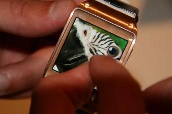 Samsung Galaxy Gear : caractéristiques, photos et vidéo de prise en main (poignet !) 24
