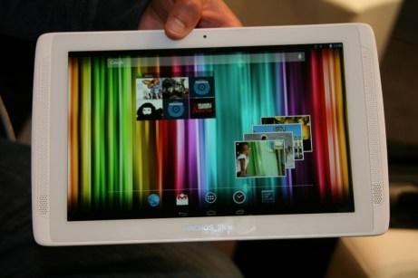 IFA 2013 : Archos fait son grand retour à Berlin, prise en main de la tablette Android Archos 101 XS 2 2