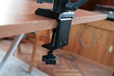 Test support et bras articulé pour iPad : Joyfactory Tube Tournez C-Clamp Mount 2