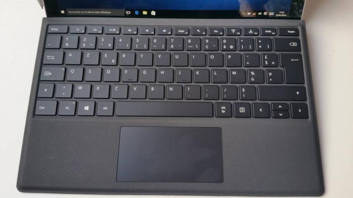 Test tablette Microsoft Surface Pro 4 clavier Clear Type