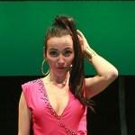 De carnavalskraker Shacky Shacky Boom Boom van Sandy V., het personage van Birgit Schuurman uit de muzikale parodie Pumps en Penalties