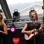 Yentl en de Boer maken genomineerden Annie M.G. Schmidtprijs bekend tijdens RTL Late Night