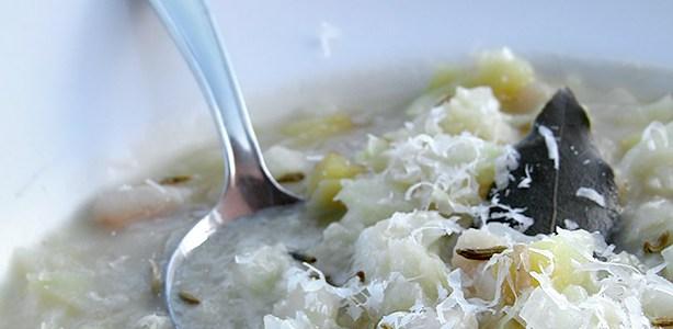 Zuppa del cavolo (cappuccio)