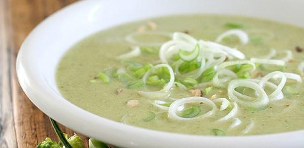 Zuppa di broccoli al cocco