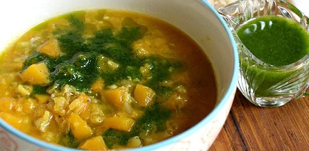 Zuppa di zucca e lenticchie rosse al curry