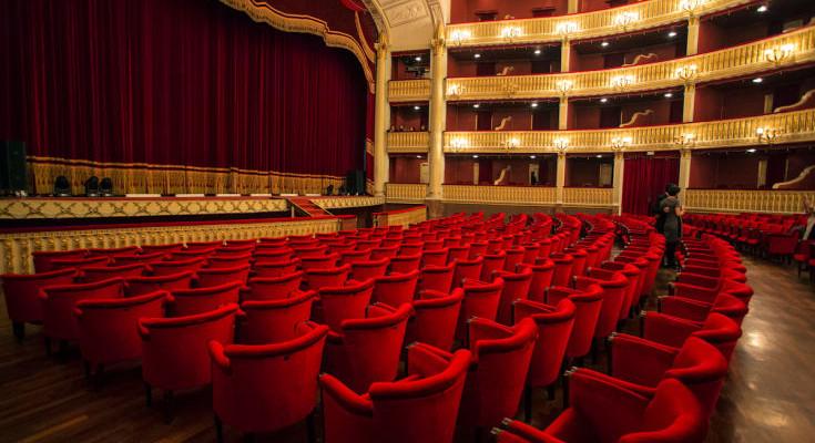 Teatro-Rendano-Cosenza-735x400