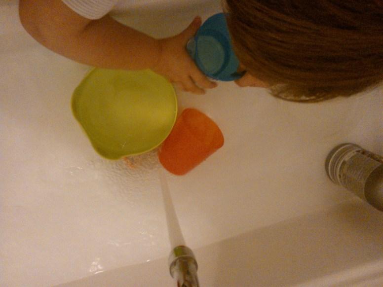 Esperimenti con l'acqua - asilo nido il pesciolino