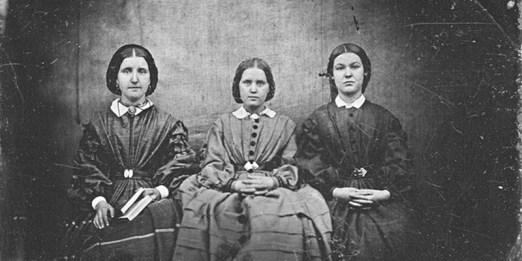C'è una foto delle sorelle Brontë? - Il Post