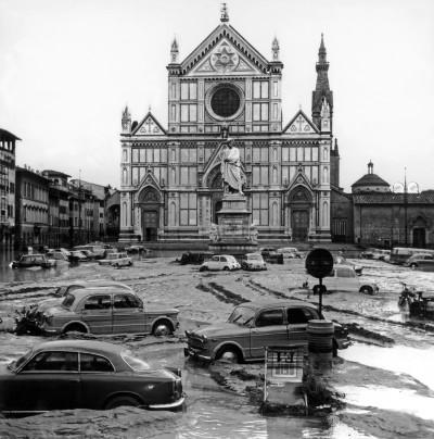 Risultati immagini per alluvione Firenze