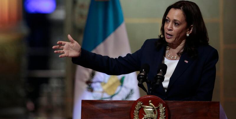 Il discorso di Kamala Harris per scoraggiare i migranti dal Centro America - Il Post