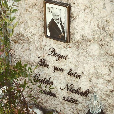 I 5 più incredibili epitaffi di grandi artisti italiani