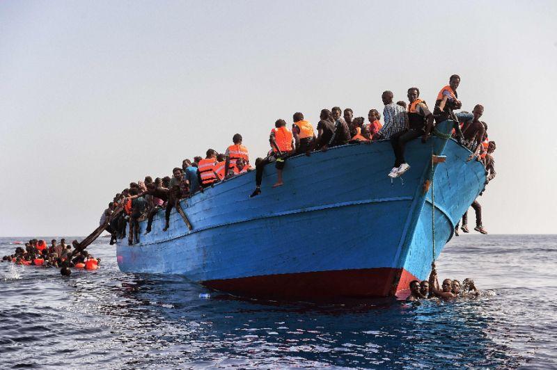 Lampedusa, sbarcano altri 102 immigrati: la situazione è già al collasso