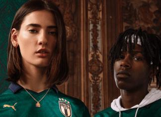 modelli posano con la maglia verde dell'italia
