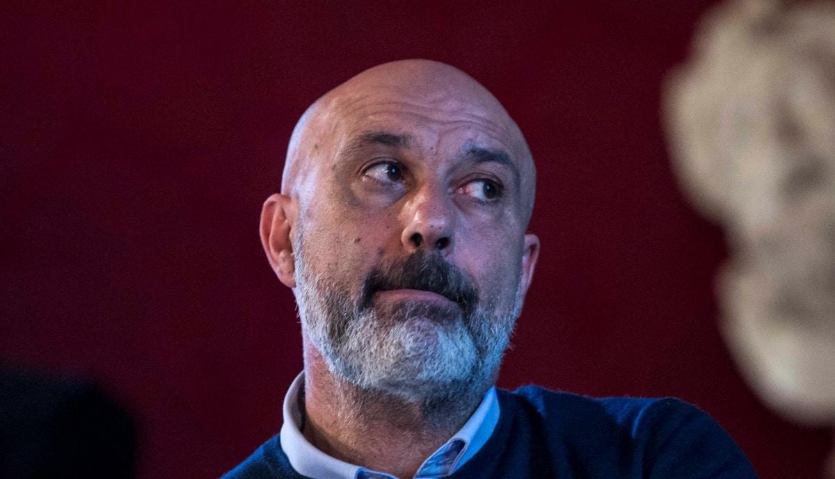 """Anche Pirozzi ha preso il bonus da 600 euro, ma lui si difende: """"Era per il negozio di mia moglie"""""""