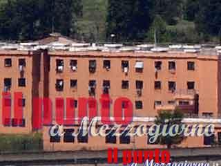 Droga in carcere a Frosinone, agente penitenziaria tra i 13 arrestati