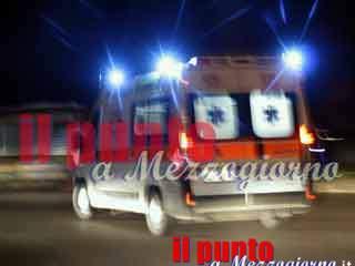 Grave incidente stradale a Frosinone, giovane senza documenti in gravissime condizioni