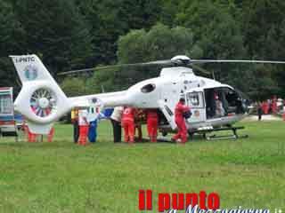 Grave incidente stradale a Cassino, automobilista elitrasportato a Roma