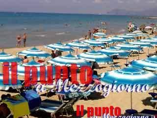 Muore in spiaggia a Gianola mentre fa il bagno