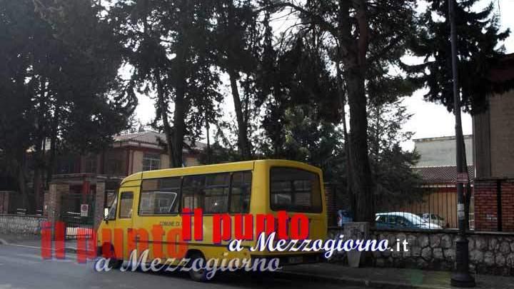 Aggrediti a colpi di spranga gli scuolabus del Comune di Cassino