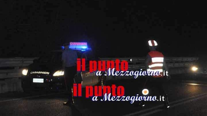 Assalto alla banca con la pala meccanica, ladri messi in fuga dai carabinieri