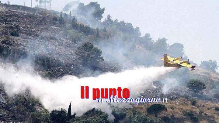 Emergenza incendi boschivi: Oggi a quota 45 le richieste d'intervento aereo