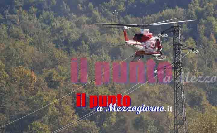 Incendio Monte Trocchio a Cassino, elicottero urta cavo dell'alta tensione