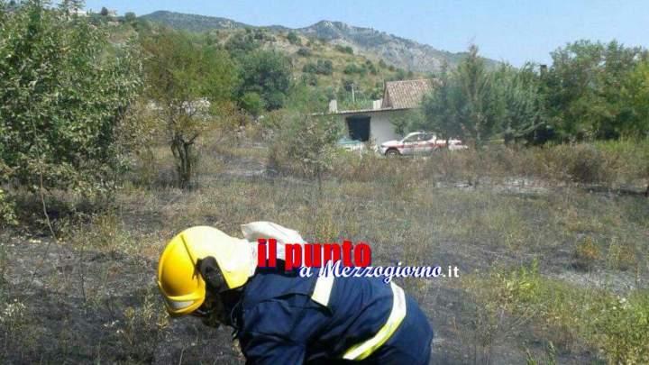 Incendio in via Parito a Piedimonte, interviene la protezione civile