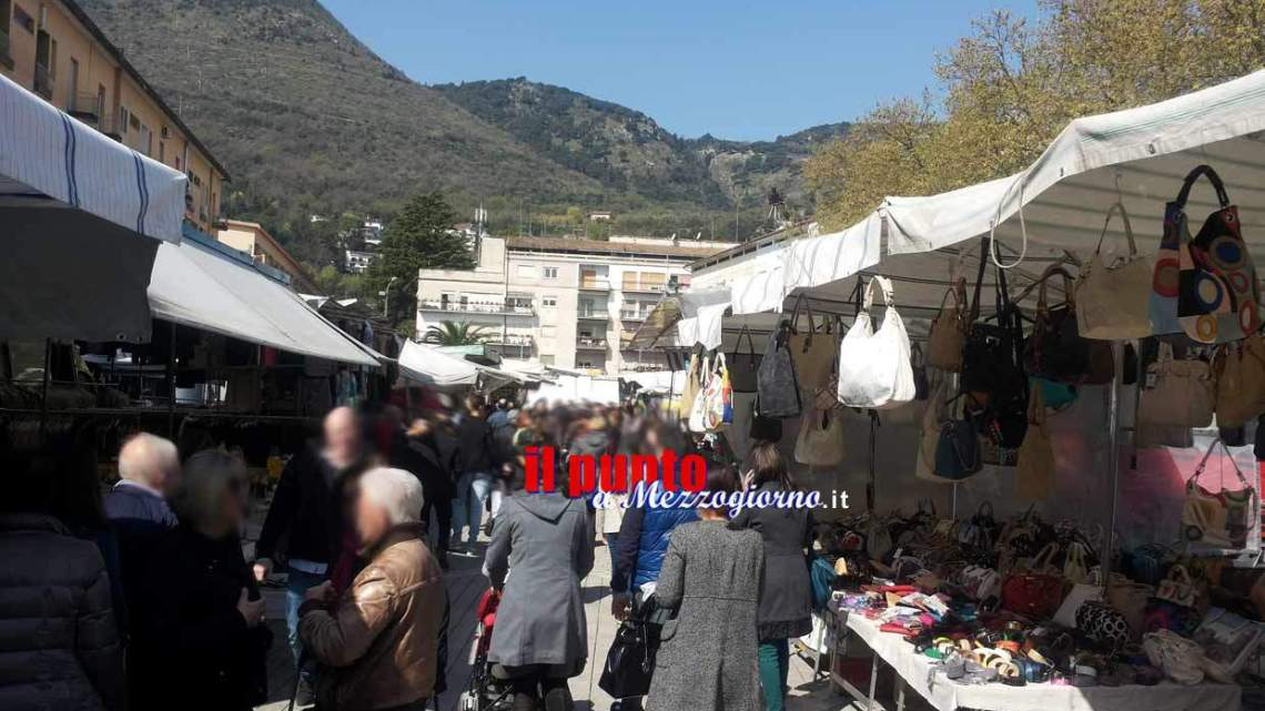 Cassino, arrestata dai carabinieri per rapina una 71enne durante il mercato settimanale