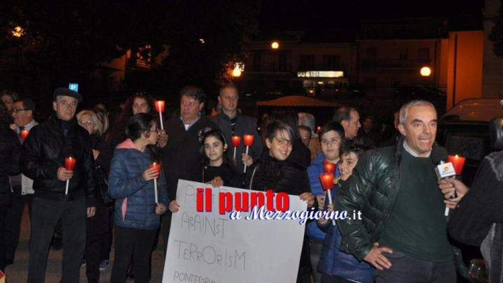 Strage a Parigi, fiaccolata a Pontecorvo per ricordare le vittime del terrorismo