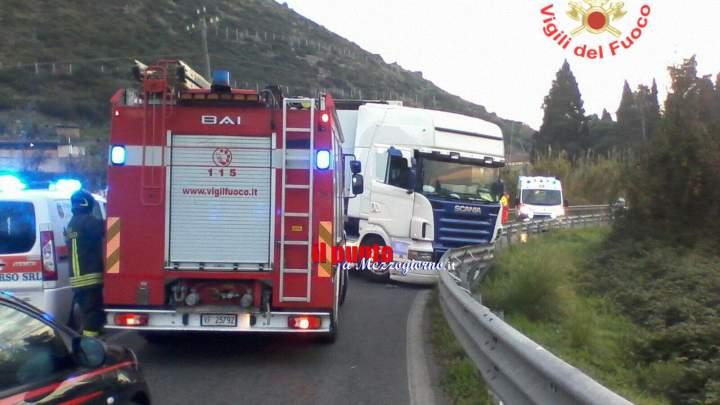 Schianto tra auto e camion sull'Appia a Monte San Biagio, due feriti e traffico in tilt