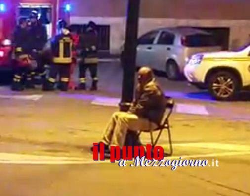 Minaccia di darsi fuoco a Frosinone ma il vice questore Rapetti lo convince a non farlo