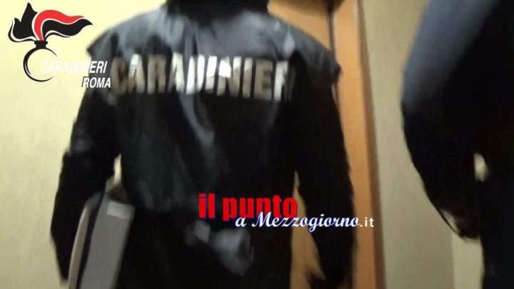 Ruba un portafogli nella caserma dei Carabinieri. denunciata 31enne