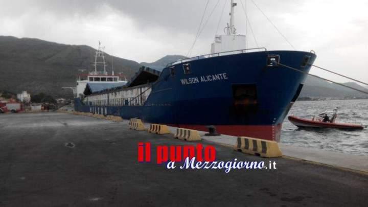 Esercitazione antincendio in porto a Gaeta